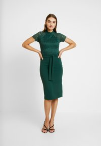 WAL G. - HIGH NECK MIDI DRESS - Cocktailjurk - forest green - 0