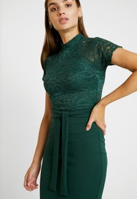 WAL G. - HIGH NECK MIDI DRESS - Cocktailjurk - forest green - 5