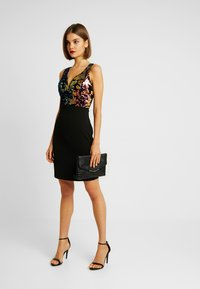 WAL G. - SEQUINS DRESS - Sukienka koktajlowa - black - 2