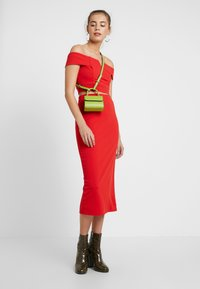WAL G. - TWO PIECES OFF THE SHOULDER TOP AND SKIRT - Cocktail dress / Party dress - red - 1