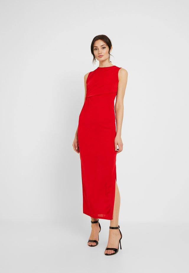 MOSS PLEATE DRESS - Společenské šaty - red
