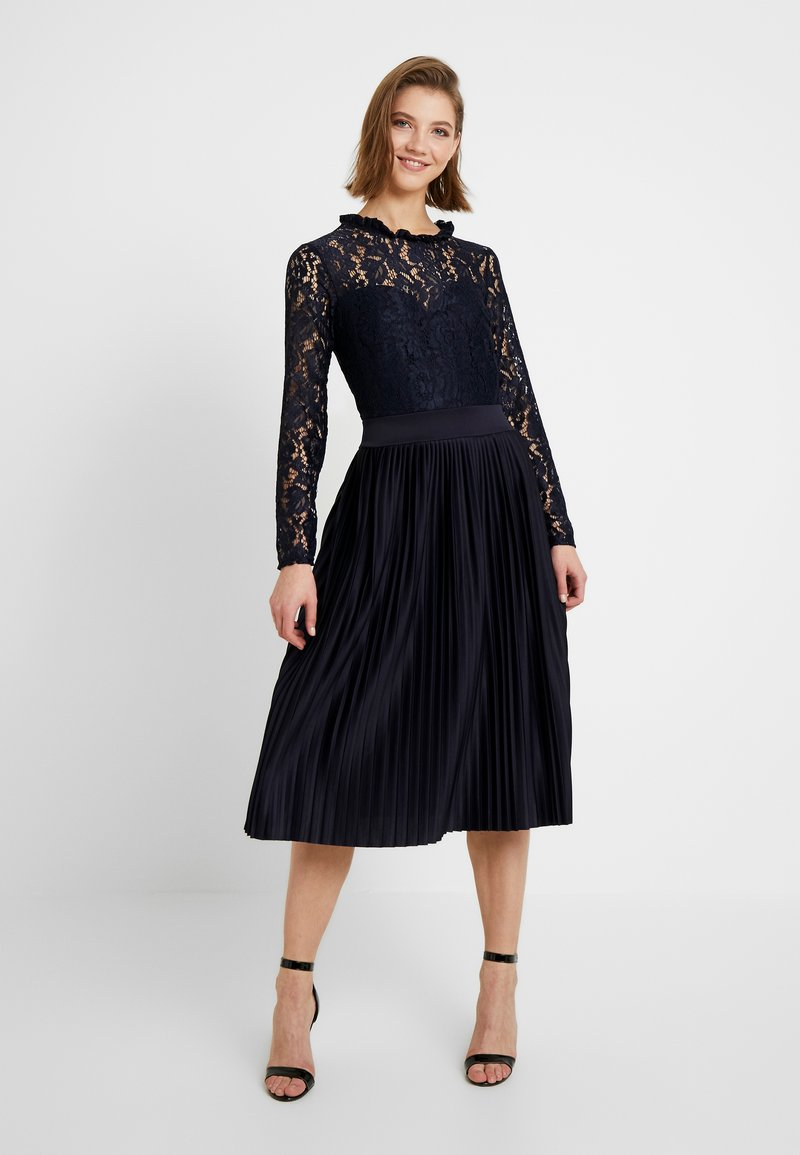 WAL G. - PLEATED MIDI DRESS - Cocktail dress / Party dress - navy