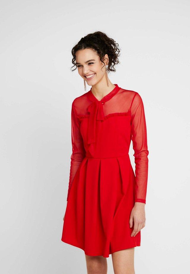 NECK TIE LONG SLEEVE DRESS - Koktejlové šaty/ šaty na párty - red