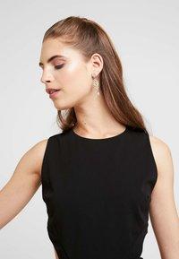 WAL G. - WAIST CUT OUT MIDI DRESS - Vestito elegante - black - 4