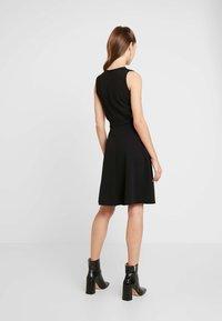 WAL G. - WAIST CUT OUT MIDI DRESS - Vestito elegante - black - 2
