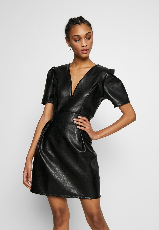 DRESS - Vestido de tubo - black