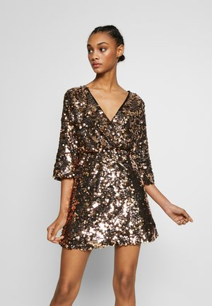 DRESS - Sukienka koktajlowa - gold sequin