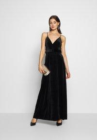 WAL G. - BELTED - Maxi šaty - black - 1