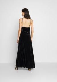 WAL G. - BELTED - Maxi šaty - black - 2