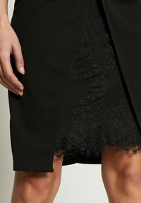 WAL G. - MIDI DRESS - Shift dress - black - 8