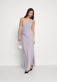 WAL G. - RUCHED ONE SHOULDER DRESS - Vestido de fiesta - lilac - 1
