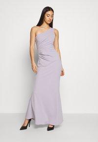 WAL G. - RUCHED ONE SHOULDER DRESS - Vestido de fiesta - lilac - 0