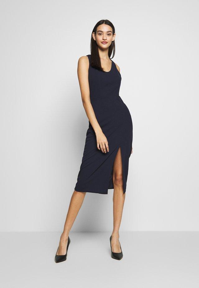 ROUND NECK PLAIN DRESS - Pouzdrové šaty - navy