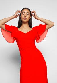 WAL G. - FLUTTER CAP SLEEVE MIDI DRESS - Vestito elegante - red - 3