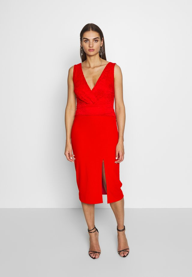 LAYERED MIDI DRESS - Cocktailjurk - red