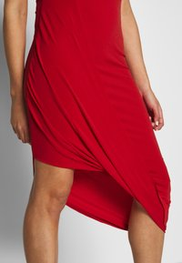 WAL G. - HIGH NECK MIDI DRESS - Vestito elegante - red - 4