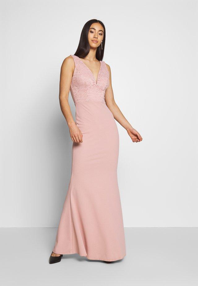 MAXI DRESS - Společenské šaty - blush