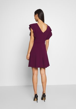 RUFFLE SLEEVE MINI DRESS - Cocktailklänning - plum