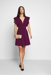 WAL G. - RUFFLE SLEEVE MINI DRESS - Cocktail dress / Party dress - plum - 1