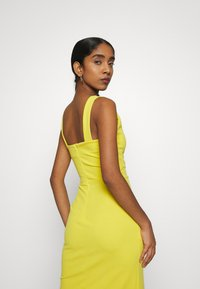 WAL G. - V NECK MIDI DRESS WITH CUPS - Cocktailklänning - yellow - 3