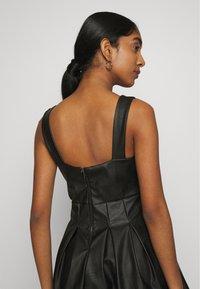 WAL G. - PLEATED SKATER DRESS - Vestito elegante - black - 3