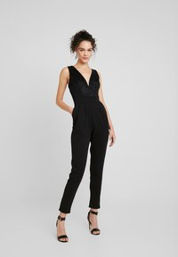 WAL G. - V NECK PLUNGE - Jumpsuit - black - 1