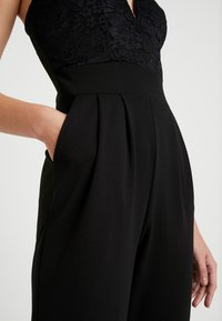 WAL G. - V NECK PLUNGE - Jumpsuit - black - 4
