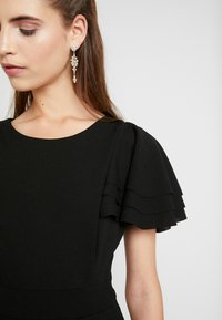 WAL G. - SHORT SLEEVE FRILL SHOULDER - Tuta jumpsuit - black - 5
