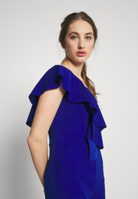 WAL G. - ONE SHOULDER FRILL - Combinaison - electric blue - 3