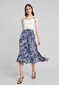 Whistles - BRUSHED LEOPARD WRAP SKIRT - Wrap skirt - blue/multi - 1