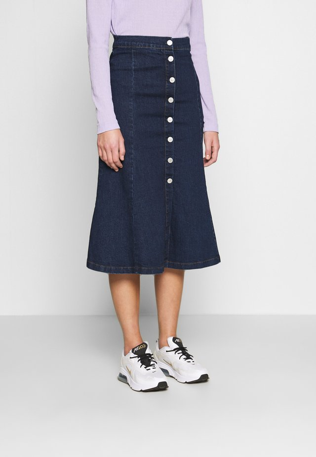 BUTTON THROUGH SKIRT - Spódnica trapezowa - blue denim
