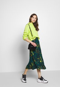 Whistles - ASSORTED LEAVES PRINT SKIRT - A-line skjørt - green/neon yellow - 1
