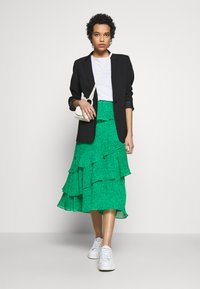 Whistles - SKETCHED FLORAL TIERED SKIRT - A-line skirt - green - 1