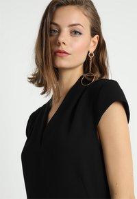 Whistles - V NECK CREPE DRESS - Robe d'été - black - 4