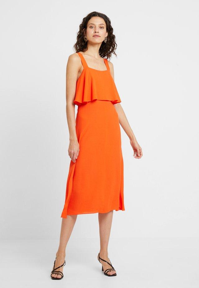 JEMIMA TIERED DRESS - Cocktailkleid/festliches Kleid - flame