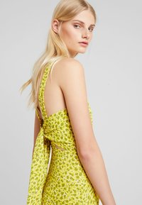 Whistles - LLORA CLOUDED LEOPARD DRESS - Maxikleid - yellow/multi - 3