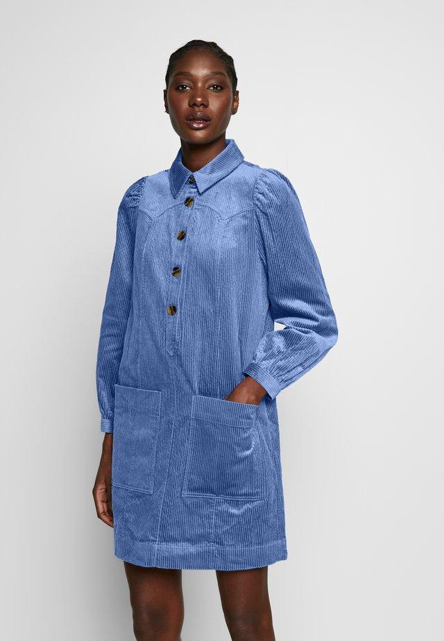 CHUNKY WESTERN DRESS - Kjole - pale blue