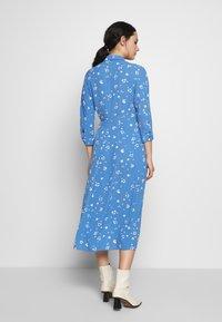 Whistles - WATERCOLOUR SIDE TIE MIDI DRESS - Shirt dress - blue/white - 2