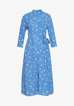 WATERCOLOUR SIDE TIE MIDI DRESS - Skjortekjole - blue/white