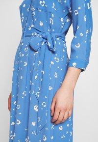 Whistles - WATERCOLOUR SIDE TIE MIDI DRESS - Shirt dress - blue/white - 5