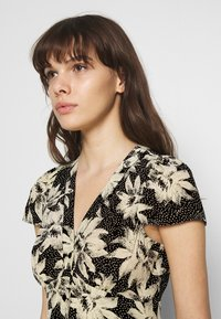 Whistles - STARBURST FLORAL PRINT DRESS - Day dress - black - 5