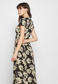 Whistles - STARBURST FLORAL PRINT DRESS - Day dress - black - 4