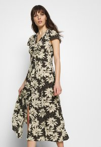 Whistles - STARBURST FLORAL PRINT DRESS - Day dress - black - 6