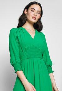 Whistles - ZENNA SHIRRED WAIST DRESS - Day dress - green - 3