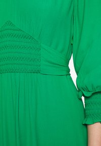 Whistles - ZENNA SHIRRED WAIST DRESS - Day dress - green - 5