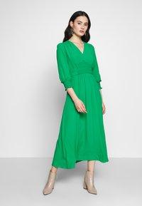 Whistles - ZENNA SHIRRED WAIST DRESS - Day dress - green - 1