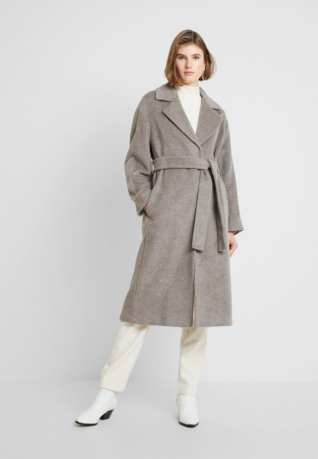 DARCEY DRAWN BELTEDWRAP COAT - Classic coat - grey