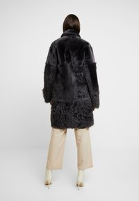 Whistles - COSMA SHEARLING COAT - Winter coat - grey - 2