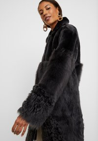 Whistles - COSMA SHEARLING COAT - Winter coat - grey - 3