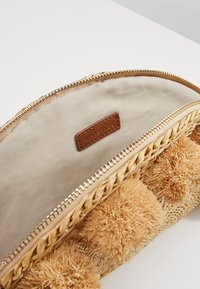 Whistles - STANLEY LARGE TACO - Clutch - beige - 4
